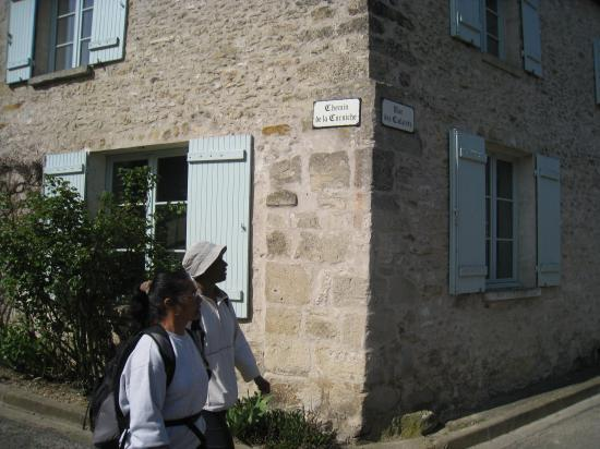 Micheline et Maryse à Chérence, Chemin de la Corniche