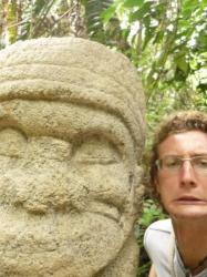 Estatua...y yo - parque archeologico San Augustin