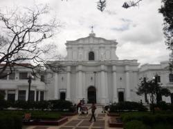 Basilica de la plaza central - Popayan
