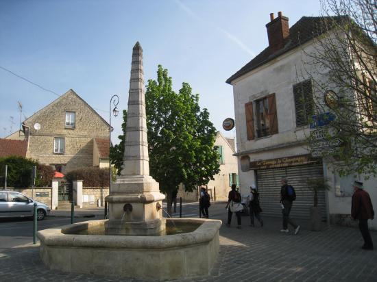 Obélisuqe de la Place Elie et Corentin Quideau