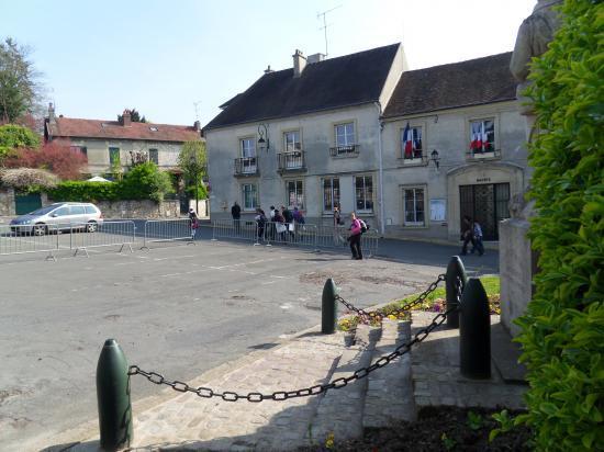 Place du Général De Gaulle à Champagne-sur-Oise