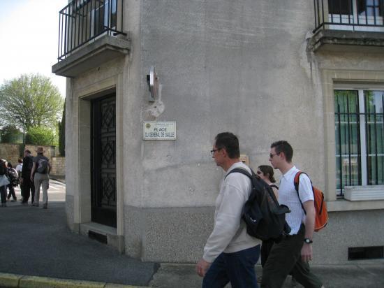 Randonneurs Place du Général De Gaulle à Champagne-sur-Oise