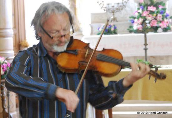 Montlevon : Le violoniste et l'enfant