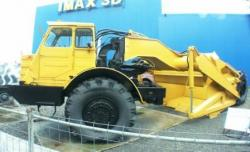 MAZ 546 P moto-scraper