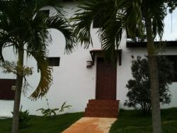 L'entree de la villa