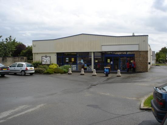 Le local du club (partie gauche du bâtiment)