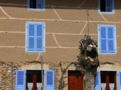 maison typique en pisé