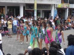 Desfile en Puyo