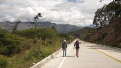 Solos sobre la carretera... - entre Cuenca y Loja