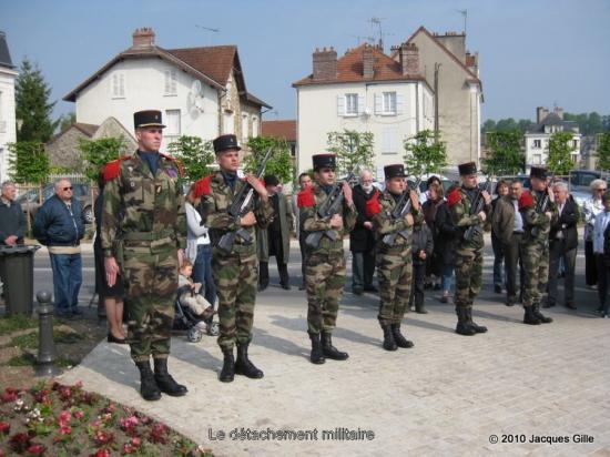 Commémoration du  65 ème anniversaire de l'Armisitice à   Château-Thierry