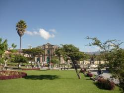 Plaza central y catedral - Cajamarca