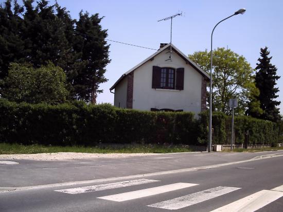 Maison de PN à la sortie d'Auneau