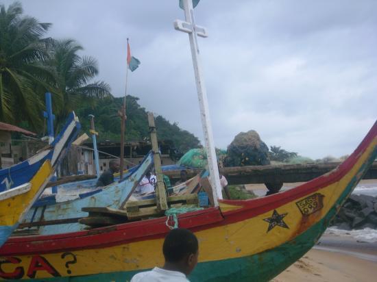 Pirogue ghanéenne à Sassandra