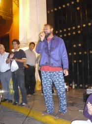 Istok cantando en yugoslavo - Trujillo