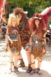 Même l'Homme primitif et ses filles était de la fête...