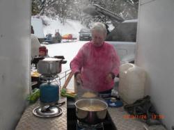 Maman de Jean Marc à la cuisine