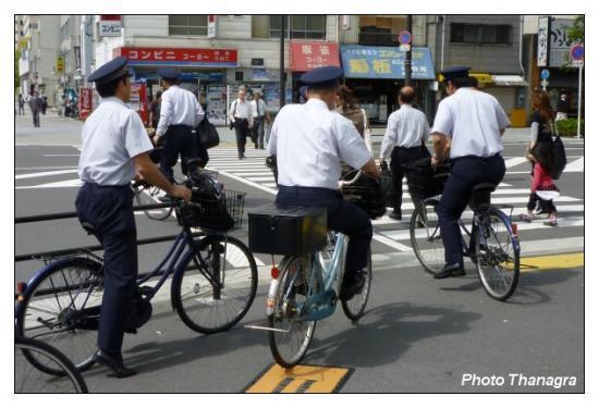 Policiers à bicyclette.jpeg
