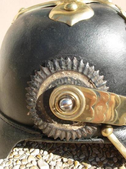 Casque à pointe Pickelhaube: mle 1860 cocarde et vis acier