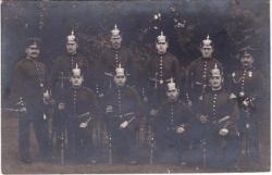 Casque à pointe Pickelhaube: unités de la Garde
