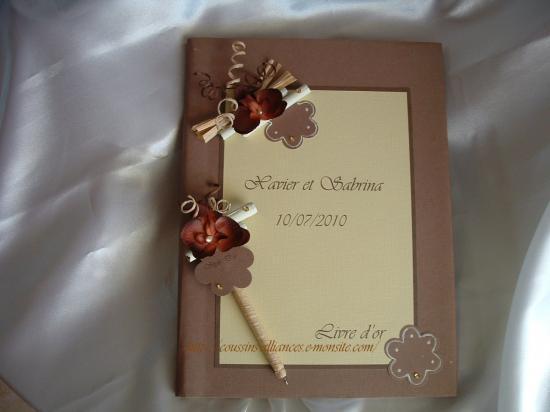 livre d'or chocolat ivoire orchidée+ son stylo